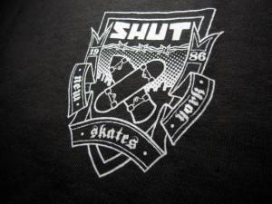 shut_crest_s_s_tee_black3