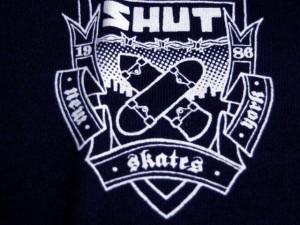 shut_crest_s_s_tee_navy2