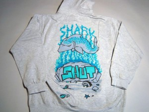 shut_shark_zip_hood2