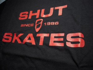 shut_skate_s_s_tee_black22