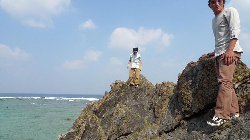 09_10_31_deshi_in island.4